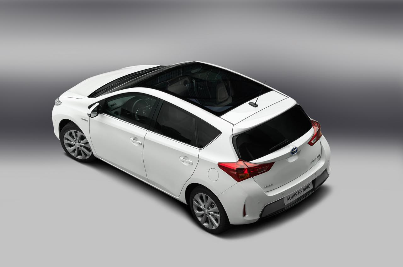 in4ride brand new 2013 toyota auris unveiled. Black Bedroom Furniture Sets. Home Design Ideas