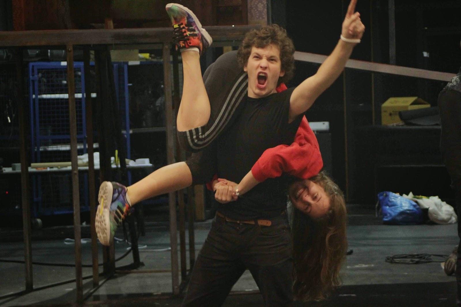 Ciberbullying bullying teatro adolescentes inglés Madrid