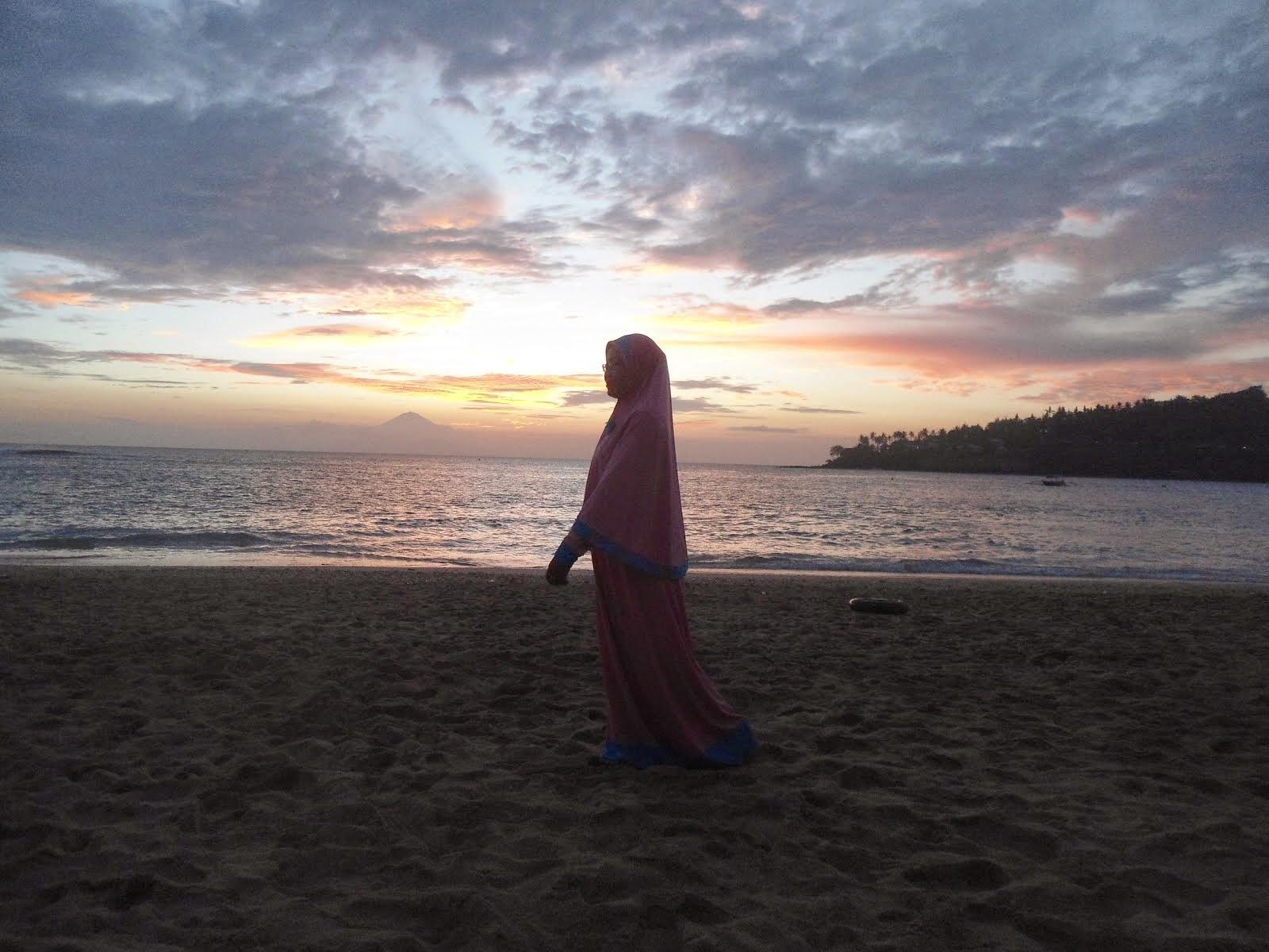 Pantai Senggigi, Lombok - NTB