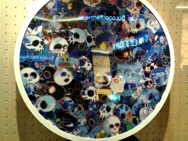 vans-murakami-skull-motif-display
