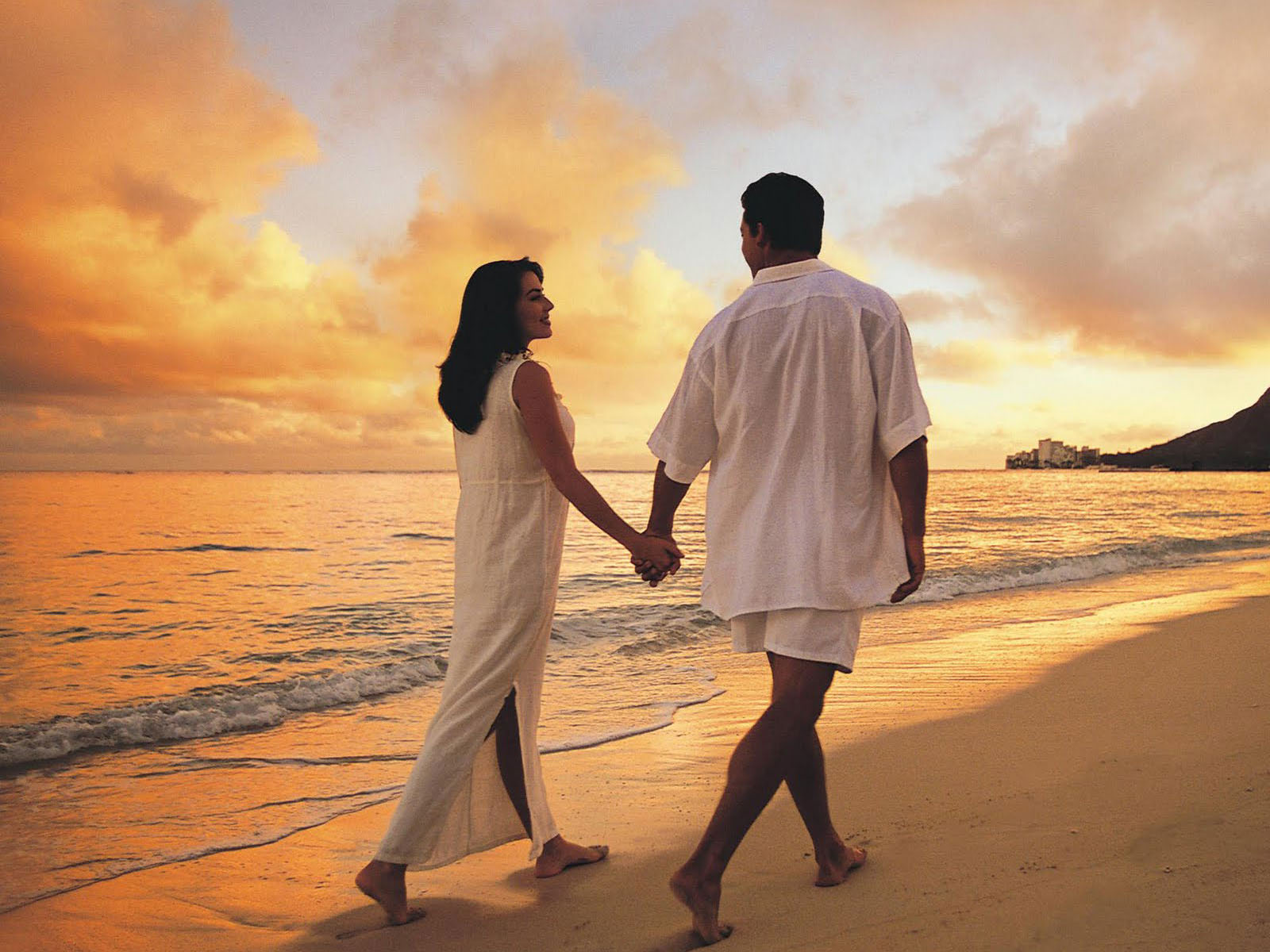 Love Wallpaper New Latest : wallpapers: Beach Love Wallpapers