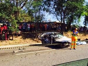 Acidente envolvendo dois carros deixa mortos na MG-050