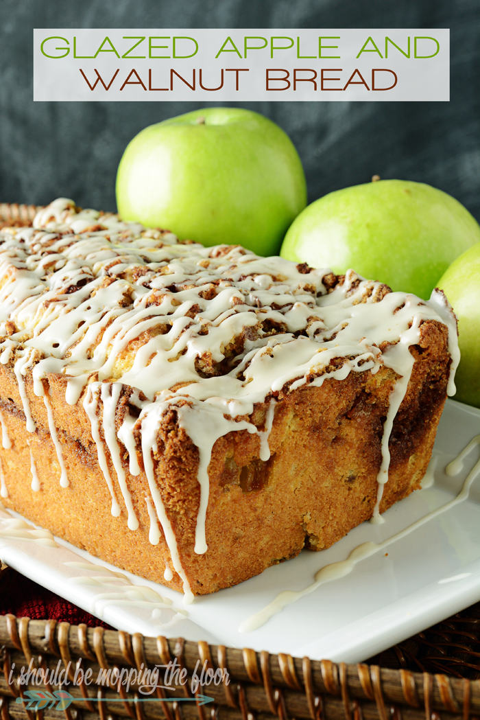 Glazed Apple and Walnut Bread | A moist and rich sweet bread that tastes just like autumn!