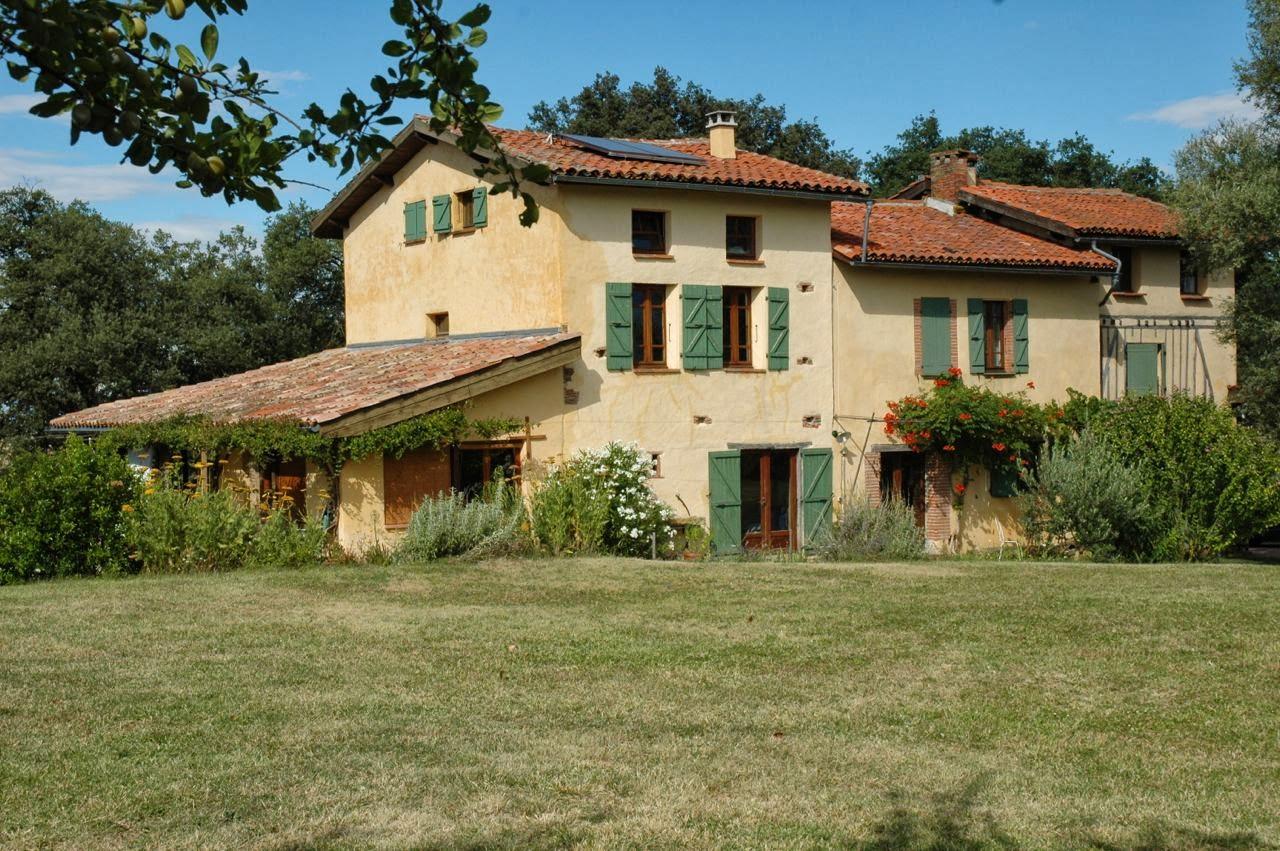 Le hameau de Chaumarty - Gîte à gauche et Maison d'hôtes à droite