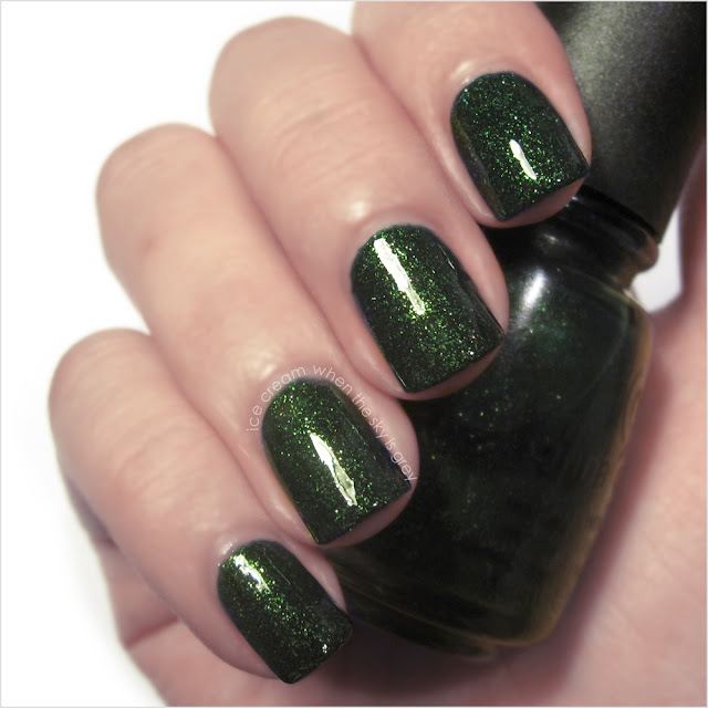 China Glaze Glittering Garland Nail Polish Let It Snow! Holiday 2011 Collection Swatch & Review