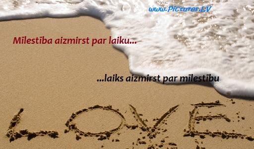 piekrastes viļņi noskalo vārdu mīlestība