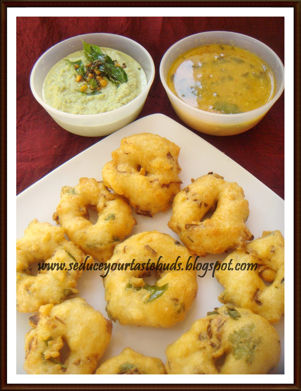 how to make hole in vada