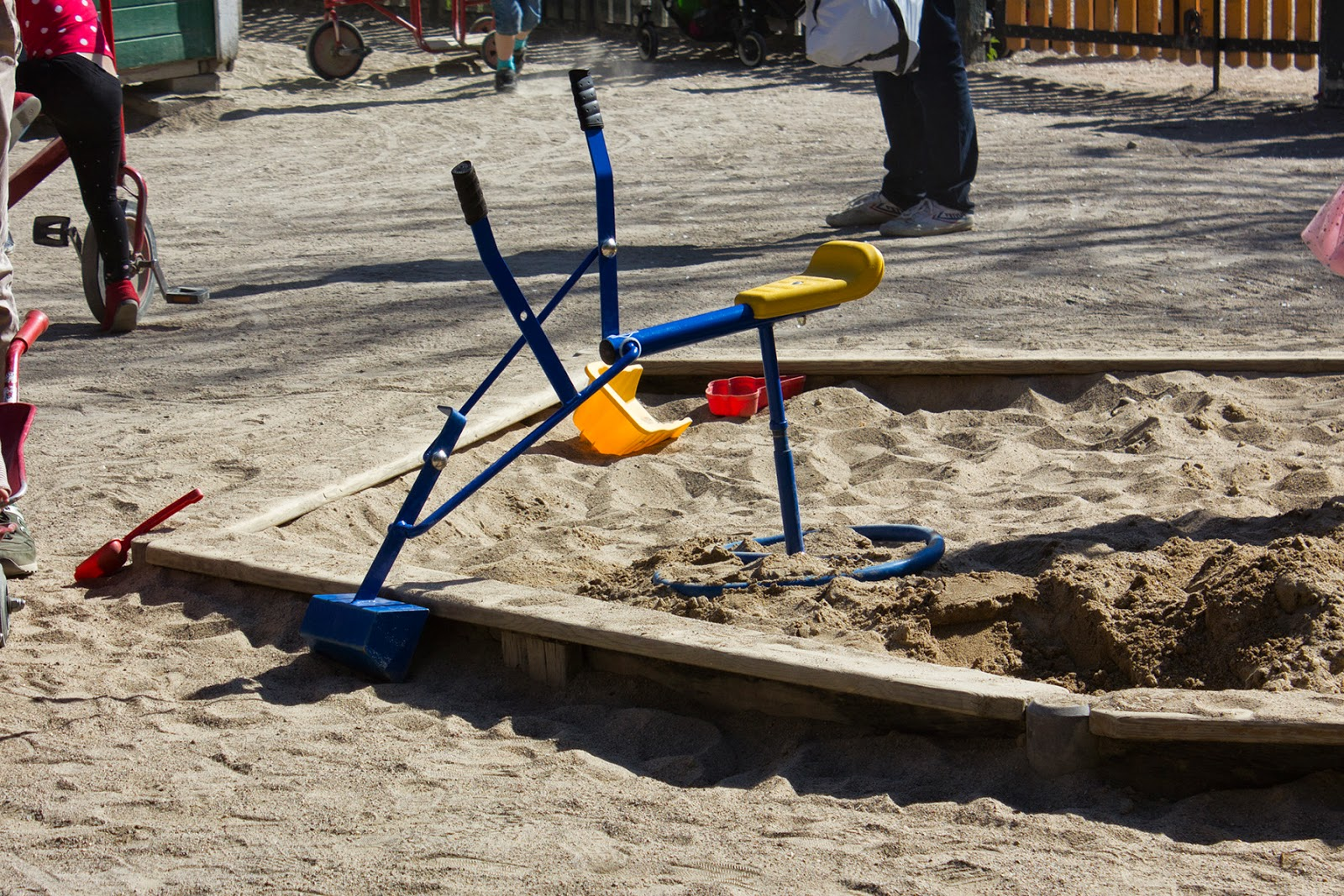 Детская площадка и парк Humlegården
