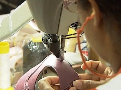 Fábrica de Calçados - Um Asno