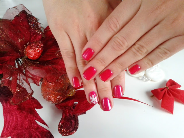 Manicure hybrydowy świąteczny Bling nr 21