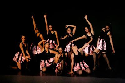 Paraje tunero gracia y t cnica del grupo de danza jazz for Estilo literario contemporaneo
