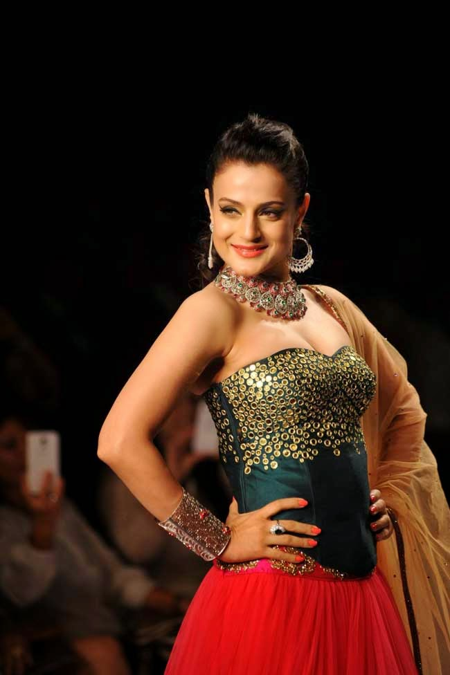 Ameesha Patel at India International Jewellery Week (IIJW)-2014