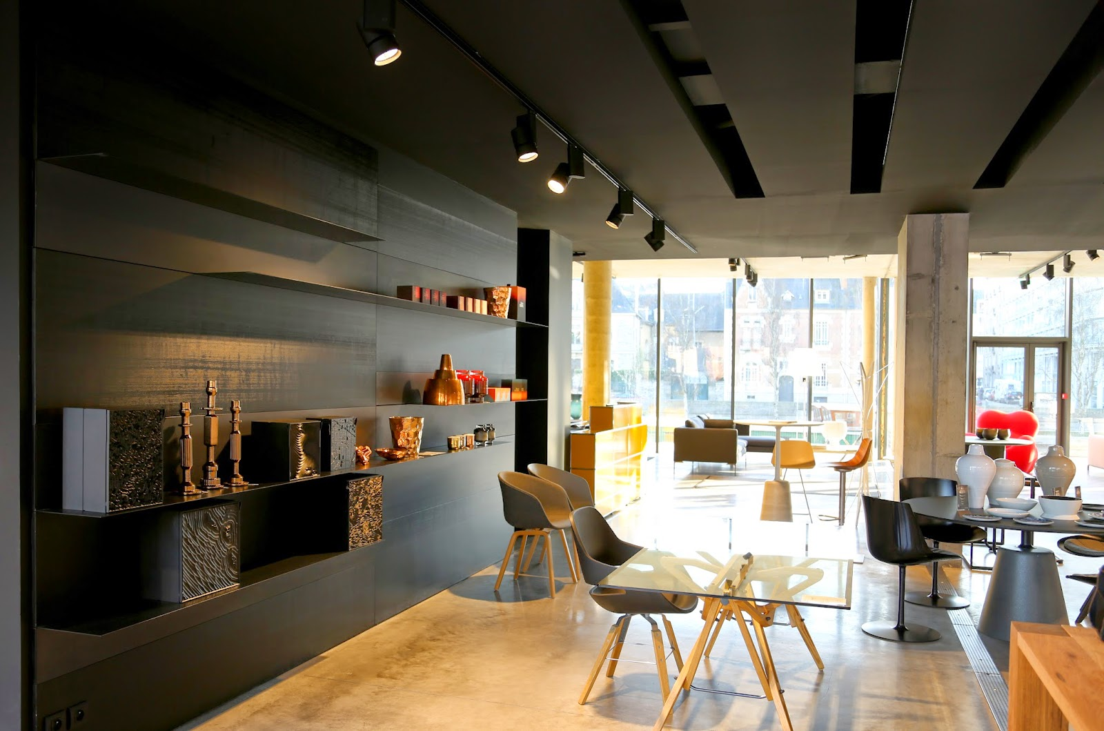 mdf italia moooi tom dixon forma design rennes agence at. Black Bedroom Furniture Sets. Home Design Ideas