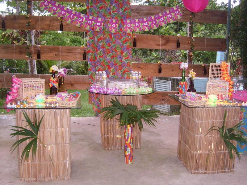 decoracao festa luau:de nossa cliente Luciana, preparamos uma festa bem colorida. A festa