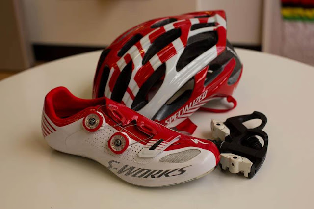 Specialized scarpe casco pedali
