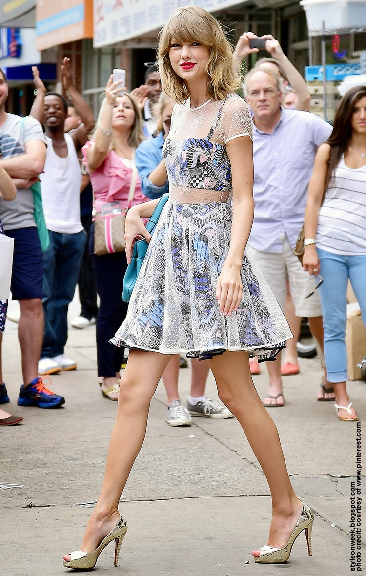 Celebrity Street Style - Taylor Swift Wearing a Triple Layer Dress