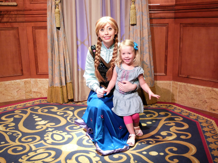 Sweet Turtle Soup: [Aria's Disney Birthday Trip] Disney Trip #19, Day 1 - Wilderness Lodge, and Anna & Elsa at Magic Kingdom