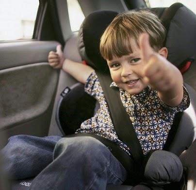 dziecko w podróży, jak uspokoić dziecko w aucie, auto, podróż, wakacje z dzieckiem