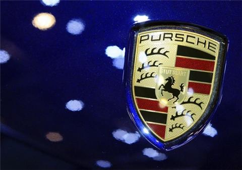 Chrysler Logo Png. Chrysler thoroughly impressed