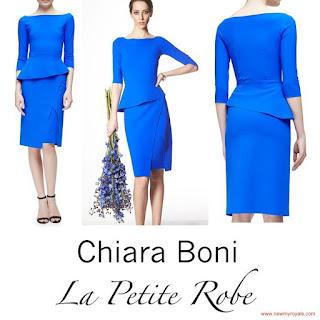 Queen Mathilde Style La Petite Robe di Chiara Boni