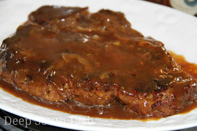 Deep south dish favorite menu ideas for sunday dinner liver and onions forumfinder Images
