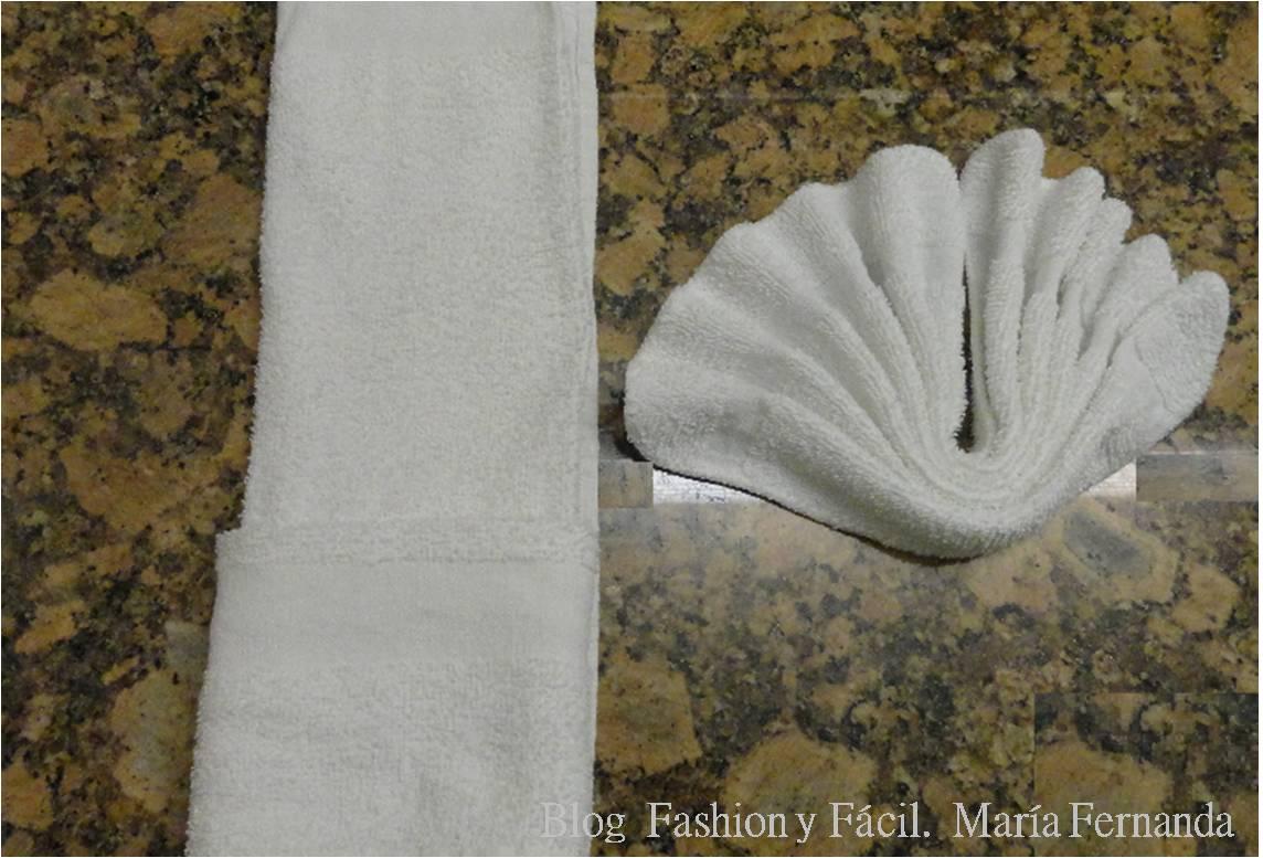 Formas de fantas a para exhibir las toallas o pa os en el - Como decorar el bano ...