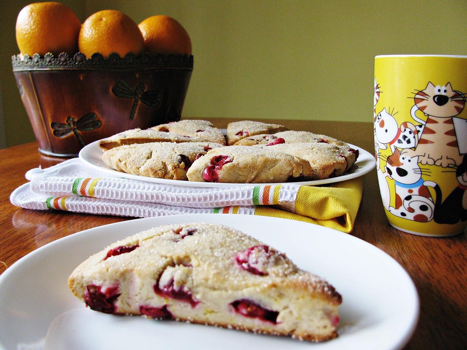 gluten free cranberry and orange scones/scones sans gluten aux canneberges et à l'orange