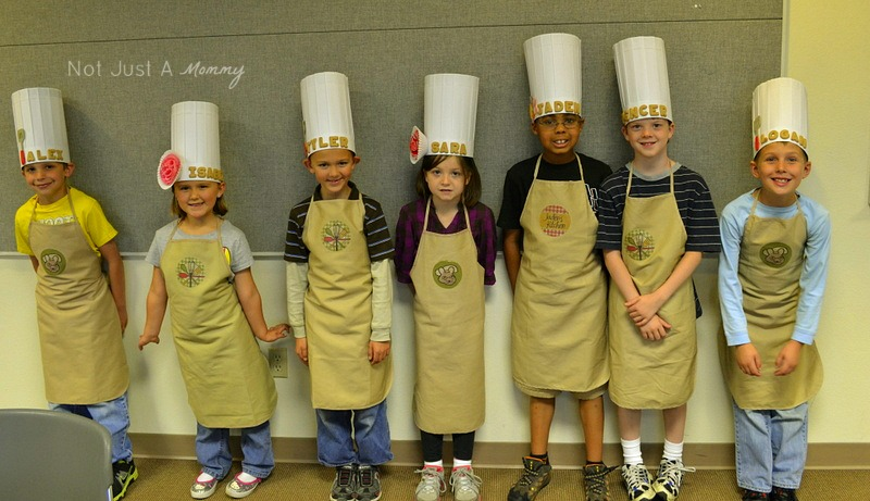 Little Chef Cooking Party chef hats and aprons