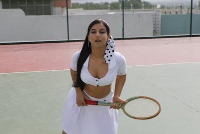 vidya balan exposing from the dirty picture, vidya balan spicy actress pics