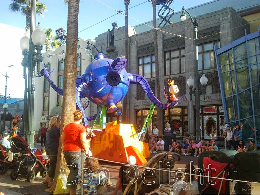 incredibles parade disneyland