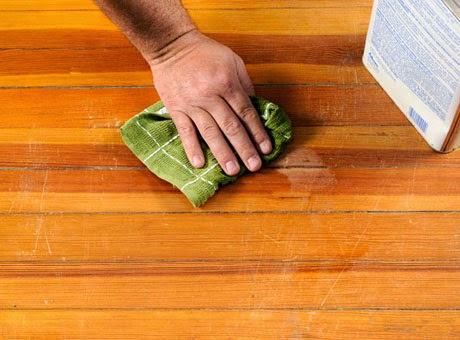 Trik Cara Membersihkan Lantai Kayu Dengan Mudah