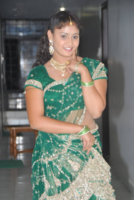 amrutha valli in saree hot images