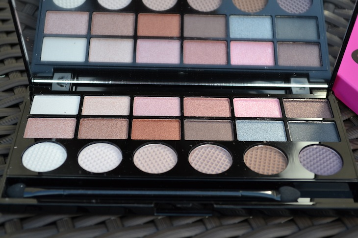 makeup revolution salvation girl panic palette review