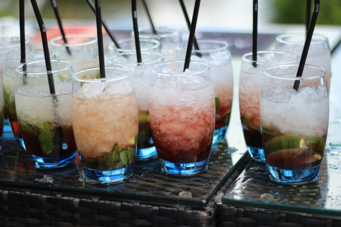 Apple and blackcurrant mohito's