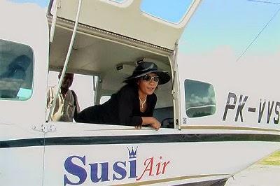 Foto Susi Pudjiastuti pesawat Susi Air