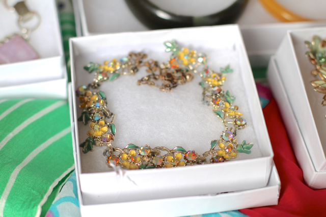 ChronicallyVintage Etsy shop - 50s style floral sparkly necklace
