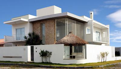 Djhonatan box 39 s casas contempor neas brise soleil for Fachadas contemporaneas para casas