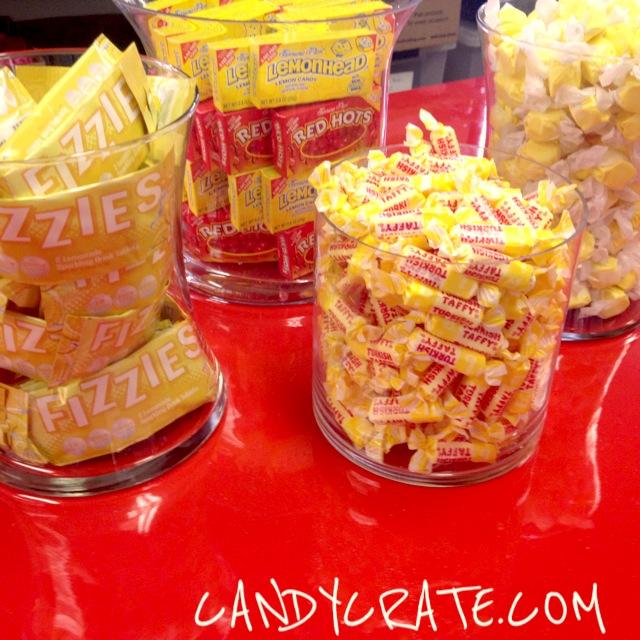 red yellow retro candy buffet - Buffet Retro Cuisine