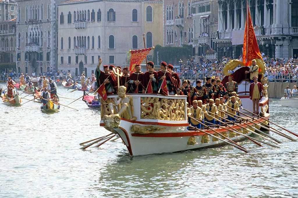 Réplica do Bucentauro numa festividade em Veneza