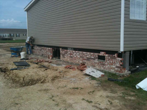 manufactured homes underpinning ideas with Brick Underpinning on Modular Home Floor Plans as well Mobile Home Skirting Stone Look 71925 additionally Mobile Home Skirting further Mobile Home Siding Skirting Tips in addition Double Wide Home Skirting Ideas 84371 2.