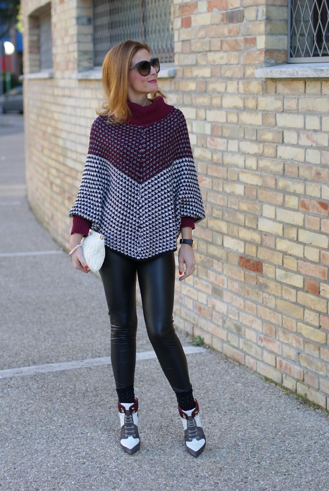 Jadea leggings, leather leggings and Cesare Paciotti heels on Fashion and Cookies fashion blog, fashion blogger style