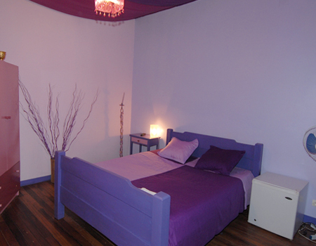 Habitaciones decoradas con color violeta o púrpura : decorar tu ...