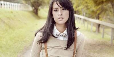 Download Lagu Maudy Ayunda - Cinta Datang Terlambat