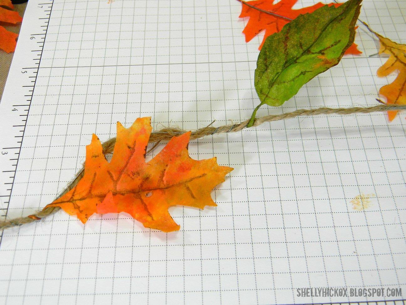Гирлянды и венок из осенних листьев своими руками 17