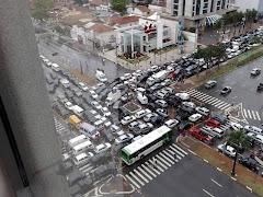 J'ai l'honneur d'être en charge du traffic de cette ville...
