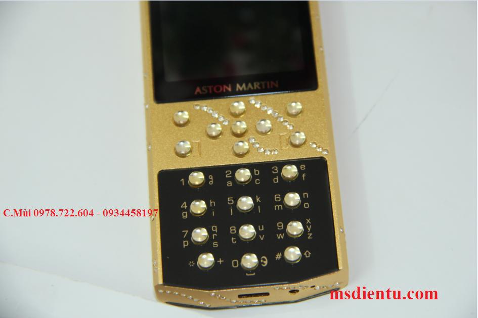 Mobiado  M-one 712  fake loại 1