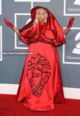 fotos de nicki minaj y el papa en los grammy 2012
