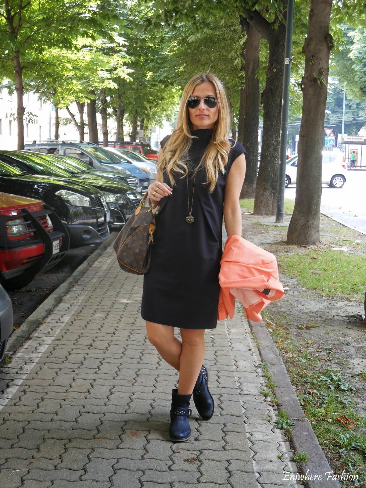 Eniwhere Fashion - Torino - giacca arancio - tubino nero