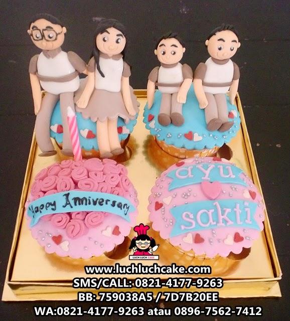 Cupcake Anniversary Tema Keluarga Daerah Surabaya - Sidoarjo