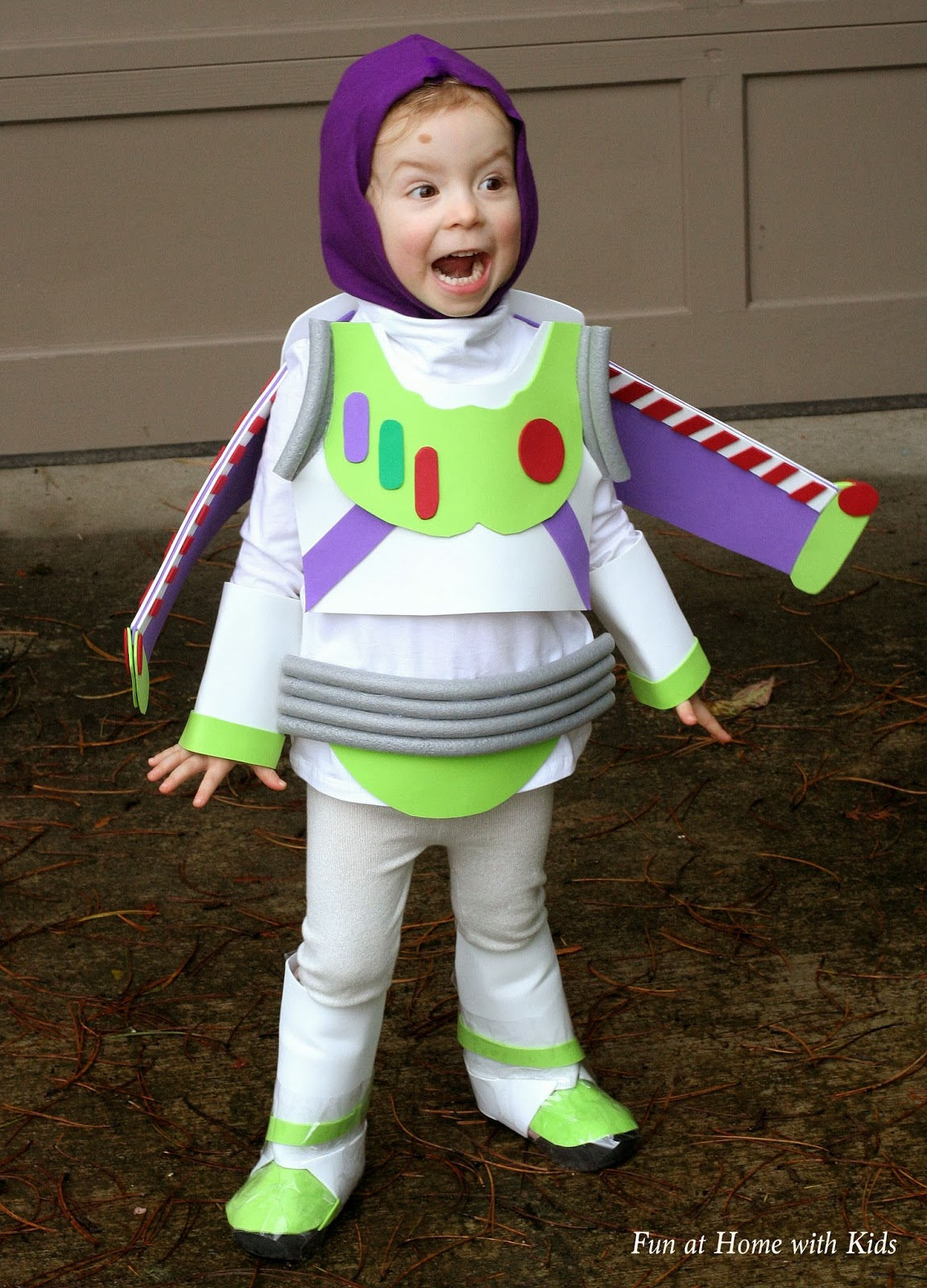 diy kids buzz lightyear no sew halloween costume. Black Bedroom Furniture Sets. Home Design Ideas